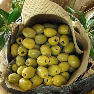 Зеленые оливки без косточки 100 гр