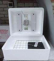 Инкубатор БИ 1 Несушка 220\12 в на 100 яйца с ручным переворотом яиц и резервным питанием