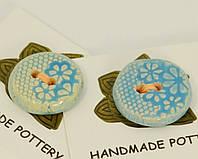 Пуговица голубого цвета декоративная керамическая ручной работы