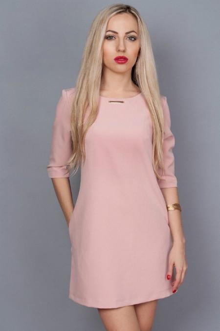 Молодежное платье нежно розовое