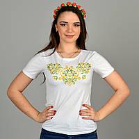 Повседневная трикотажная футболка с красивой цветной вышивкой