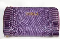 Лакированный кошелек на молнии фиолетовый Furla