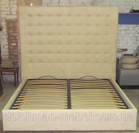 двуспальные кровати на ламелях с мягким изголовьем из ткани кровать