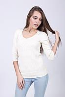 Красивый свитер с модной вязкой