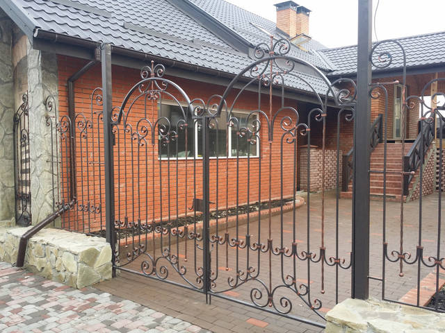 Кованые ворота,калитка и забор.  2