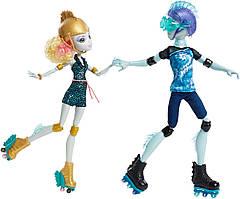 Куклы Монстер Хай  Гил Веббер и Лагуна Блю на роликах (Monster High Lagoona Blue and Gil Weber Wheel Love )