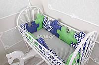 """Комплект бортиков в кроватку + простынь """"Пазлы"""" Сине-зеленый на всю кроватку"""