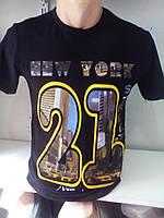 Мужская черная футболка