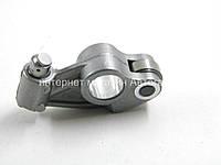 Толкатель клапана (коромысло) на Рено Мастер II 2.2dCi+2.5dCi - RENAULT (Оригинал) 8201067796