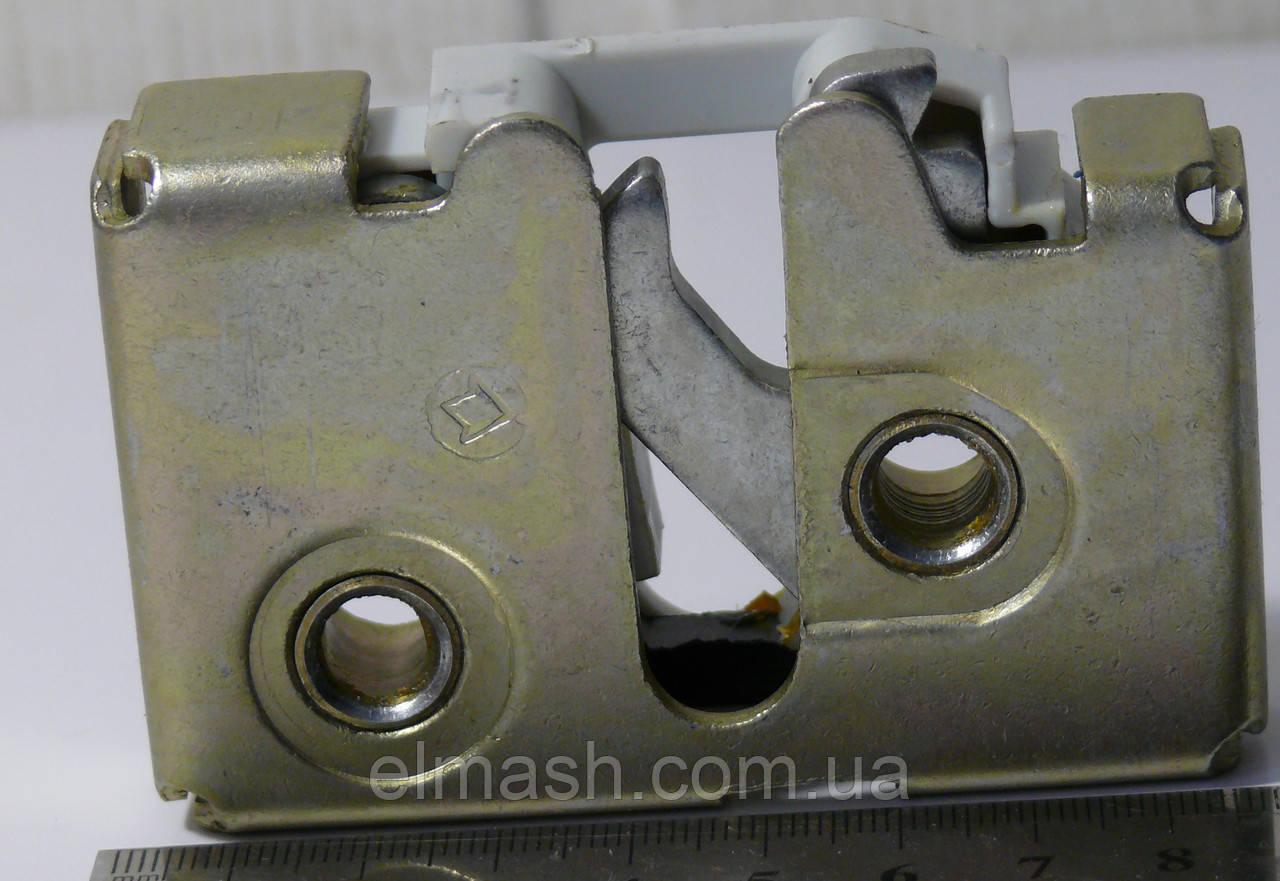 Механизм дверного замка наружный правый (шоколадка) ГАЗЕЛЬ
