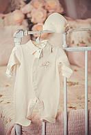 """Комплект """"Baby"""" для мальчика на выписку и крещение (человечек с галстуком + чепчик)"""