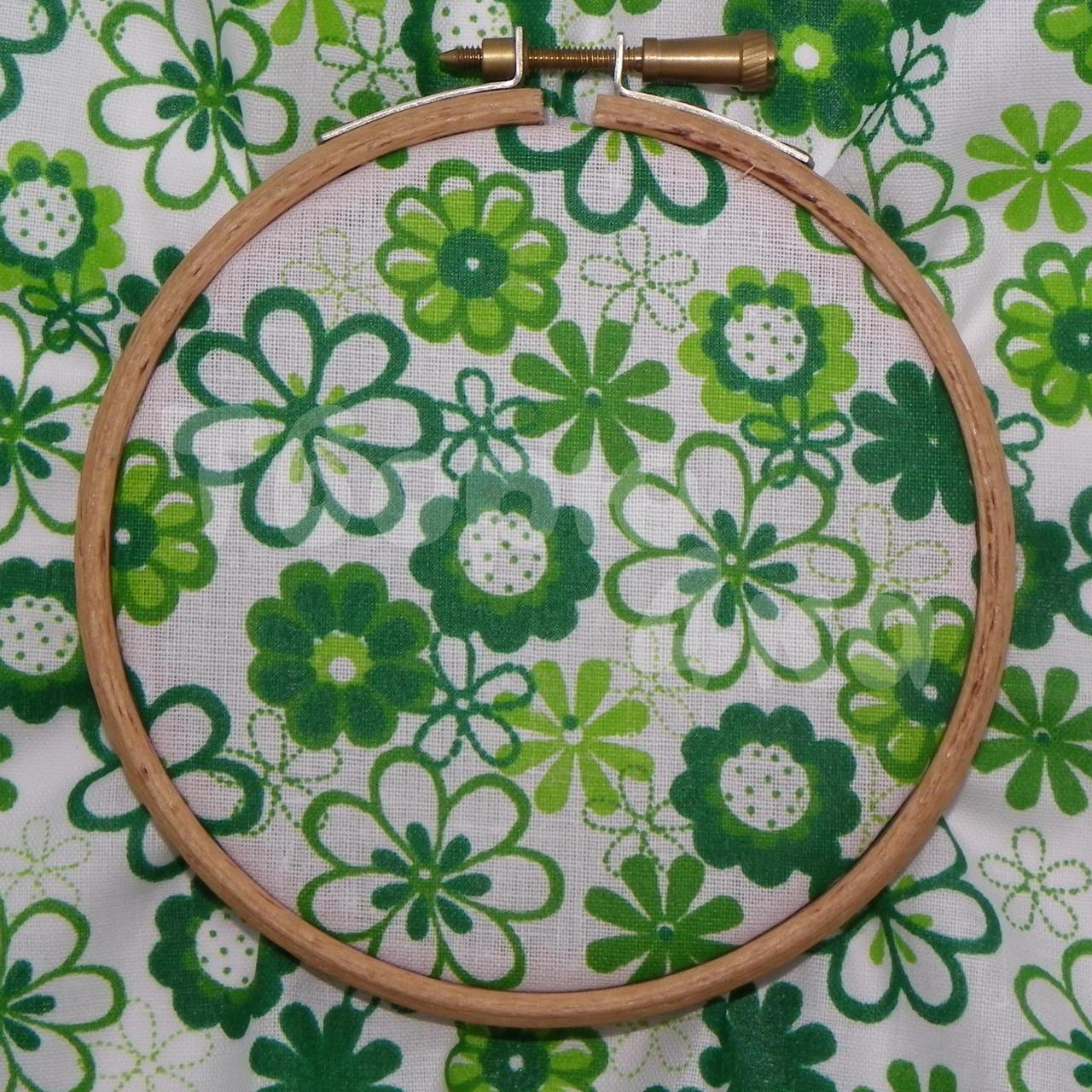 Ткань для пэчворка, кукл тильда в зеленый цветочек