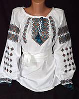 Женская вышитая блуза с бирюзовым орнаментом
