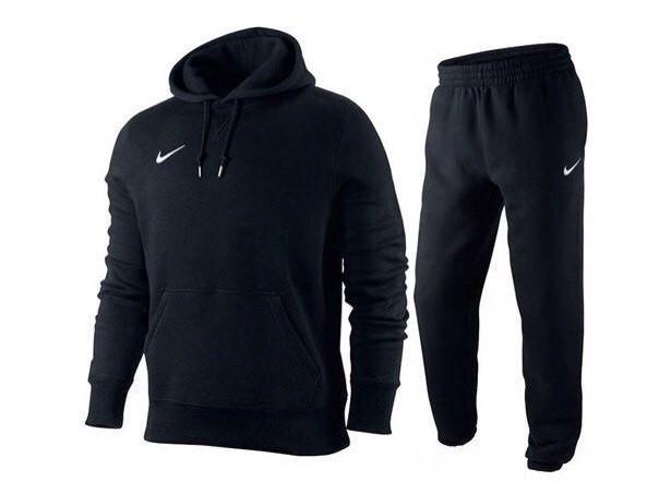 Спортивнывй костюм Nike черного цвета