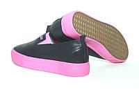Черные женские слипоны с розовой подошвой