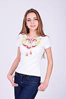 Белая трикотажная футболка с традиционной вышивкою гладью калина и колоски
