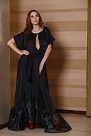 Женское платье в пол из шёлка с поясом и разрезом на груди