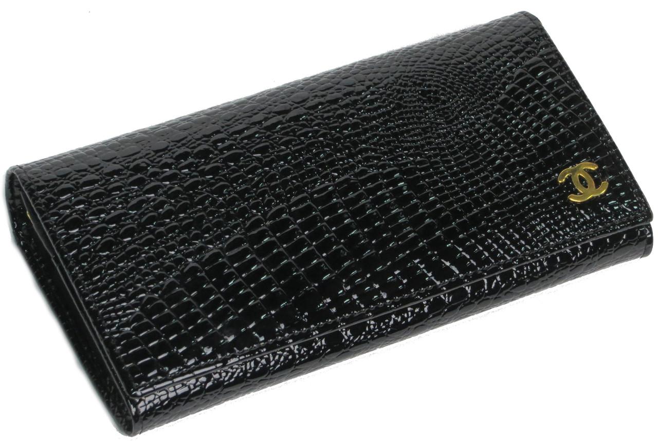 Эффектный кожаный кошелек Шанель 19010, черный