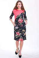 Стильное батальное платье с красивым цветочным рисунком с карманами в боковых швах