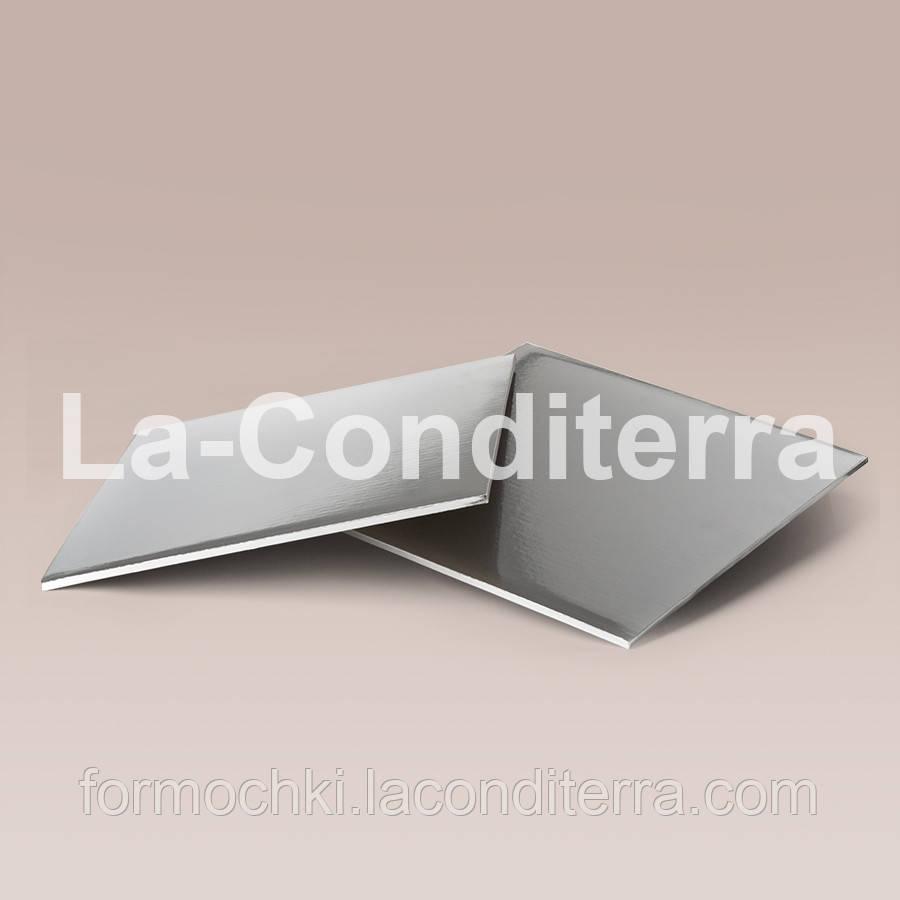 Усиленные квадратные подложки для тортов, серебристые (40x40 см, толщина 8 мм)