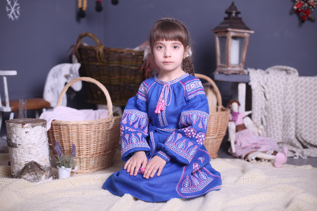 Вышиванки и платья для девочек