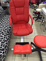 Кресло педикюрное Ричард на стеллаже