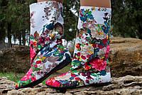 Летние женские тканевые сапожки с ярким цветочным принтом