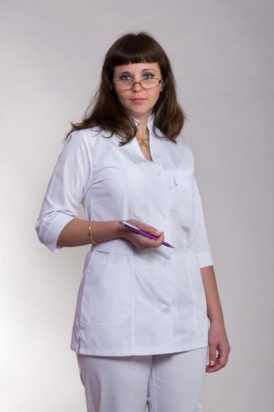 Белый медицинский костюм женский