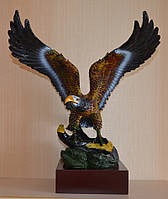 Большая фигурка орла (43х35х35 см.)