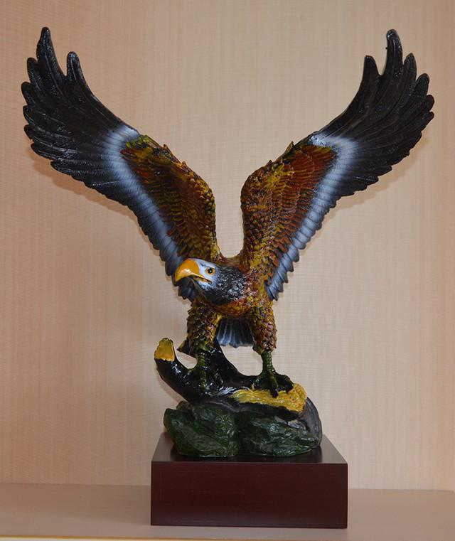 Фигурка орла (фото)