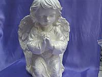 Ангел-девочка молится 45*30 белый