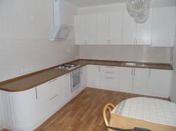 Угловая кухня в классическом стиле «Квадро», белого цвета