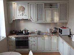 Угловая кухня «Оскар» белого цвета, классика