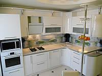 """Маленькая угловая """"Эдельвейс"""" современная кухня с крашенными фасадами в белом цвете"""