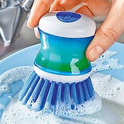 Щетка для мытья посуды с дозатором и резервуаром для моющего