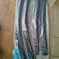 Дефлекторы окон (ветровики) на Шкода Суперб с 01-08 седан (клеющие) Vl