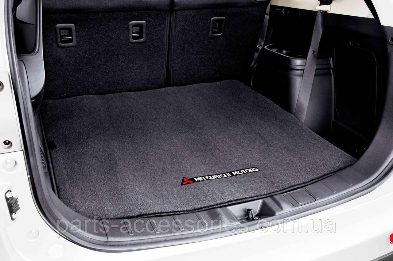 Коврик в багажник велюровый Mitsubishi Outlander 2014-17 новый оригинал