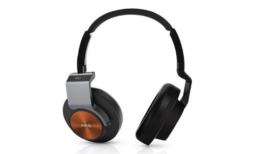 Наушники закрытого типа AKG K 545 предлагают открытое и чистое звучание