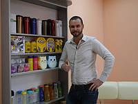 Борис - руководитель компании, отвечает также за оптовые продажи клиентам