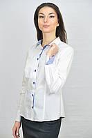 Белая женская блуза комбинированная синей клеткой