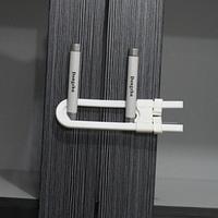 Блокиратор для створчатых дверей с ручками