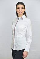 Белая классическая женсккая блуза с вышивкой