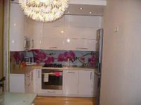 Угловая белая кухня в 3 яруса, фото 1