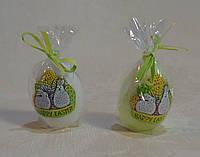 Свеча декоративная у форме яйца с декором