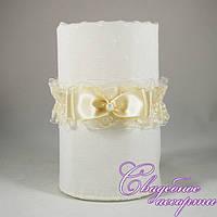Свадебная подвязка кремового цвета