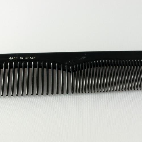 расческа с комбинироваными зубьями (редкими и частыми зубьями)