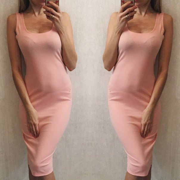 Облегающее платье с декольте