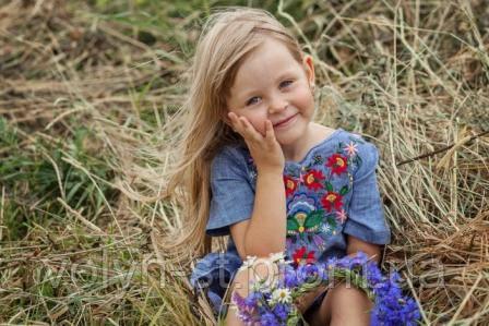 Вышитое детское платье,Петриківський розпис 2
