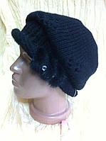 шапка чёрная с ажурным рисунком и  руликом украшенным норкой