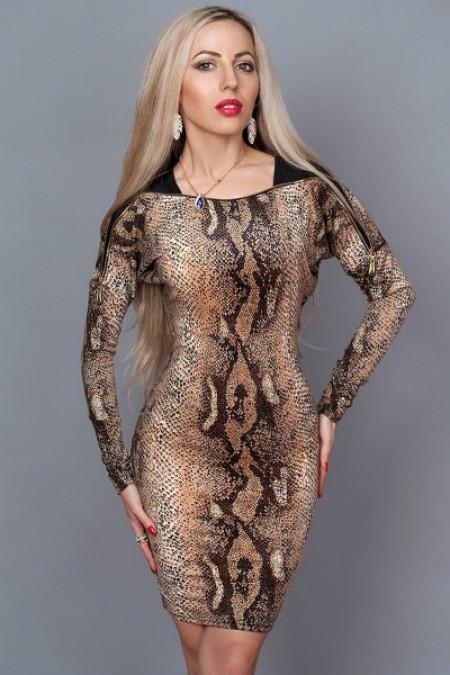 """Женское платье расцветка """"змея"""""""